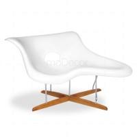 Eames La Chaise White Fiberglass - Reproduction